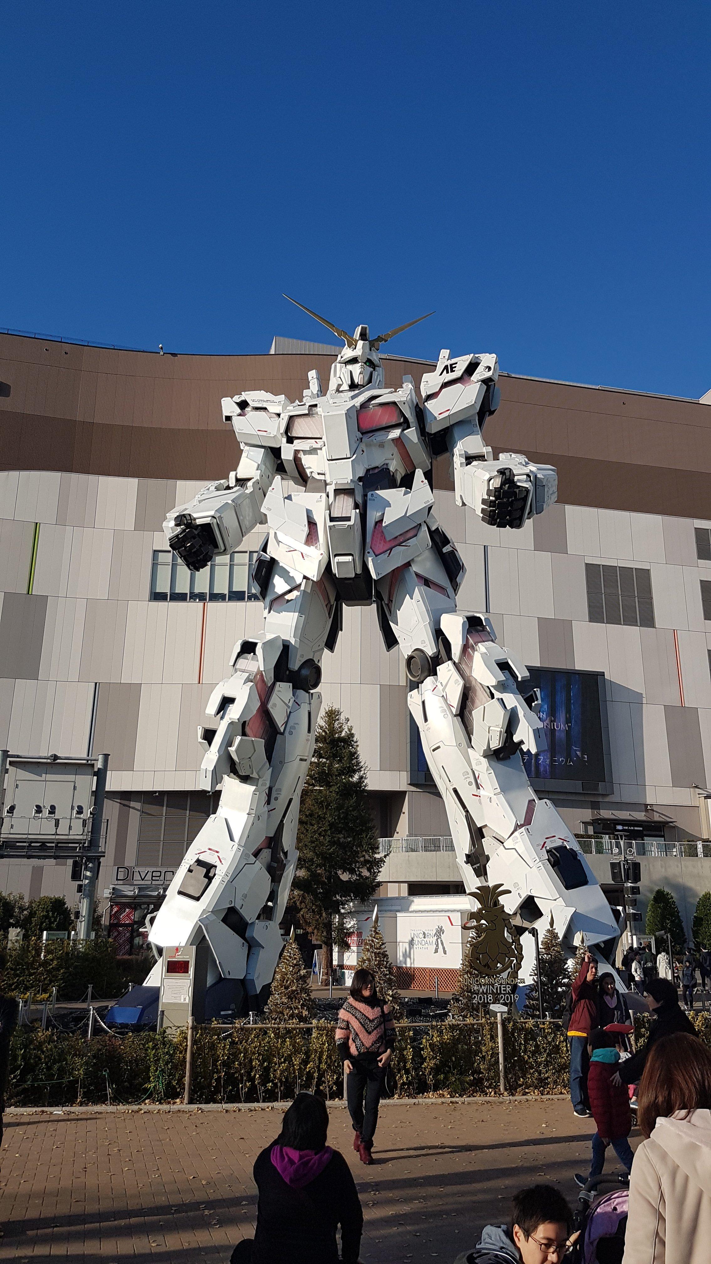 Gundam statua